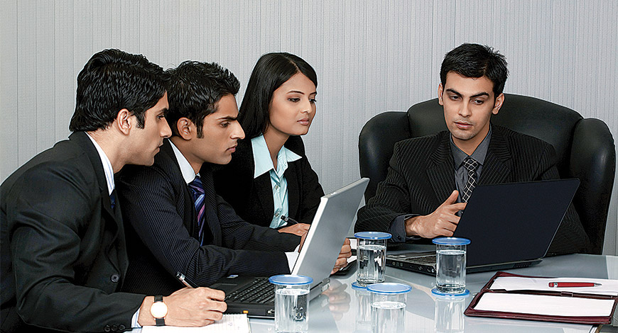 HOW DOES GLOBAL MBA GIVE AN EDGE OVER NORMAL MBA?